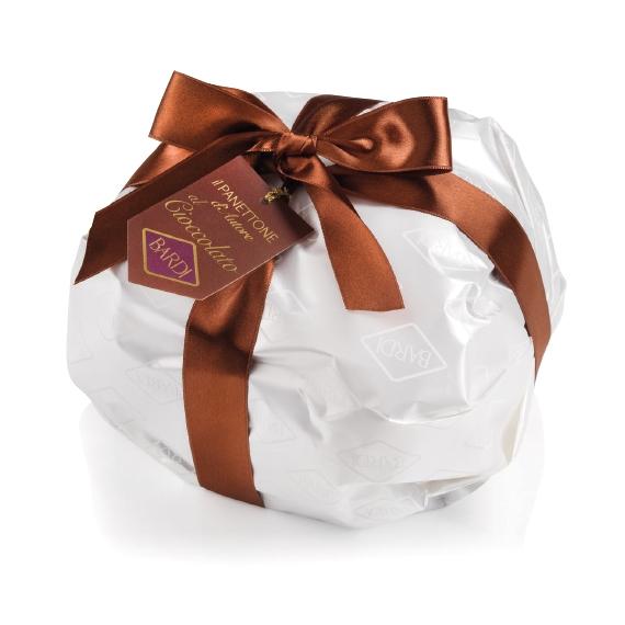 Panettone di pasticceria Bardi Kg1: Basso, con gocce di cioccolato in elegante incarto.